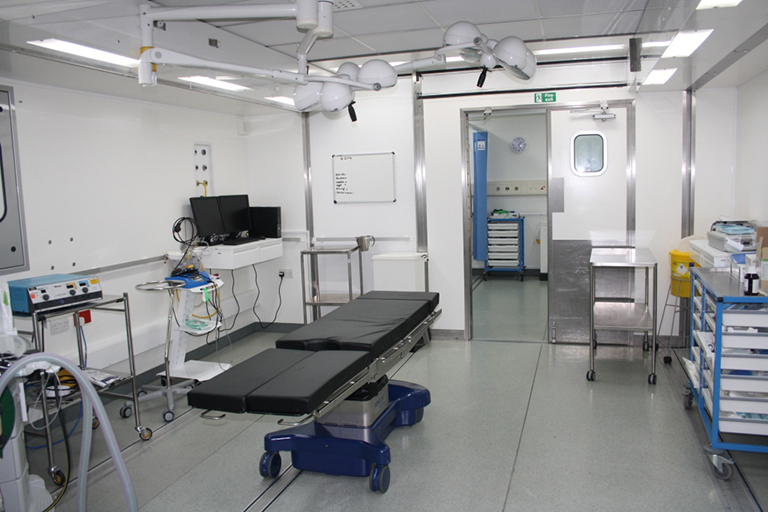 Operating room in mobile operating theatre